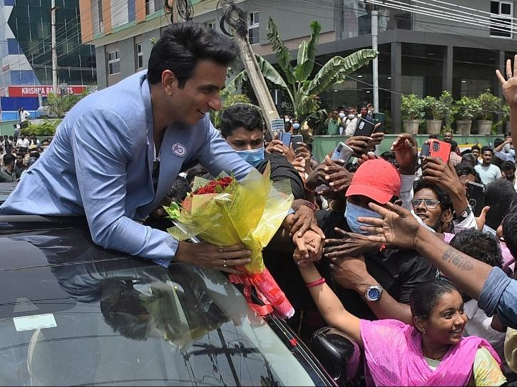 Sonu Sood among sea of fans before IT raids and accusation of Rs 20 crore tax evasion.