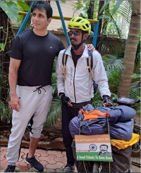 Ranjith says the journey helped him create some wonderful memories but the most important one was the one when he met his idol and Bollywood actor Sonu Sood at his Mumbai residence.