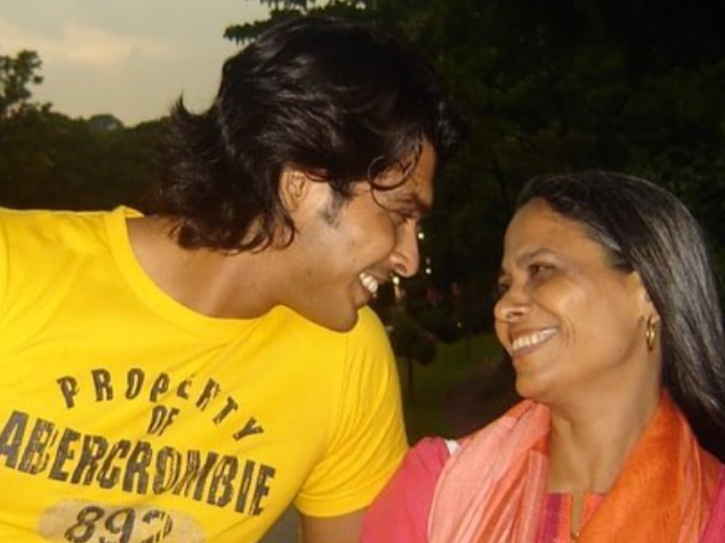 Sidharth Shukla and his mother