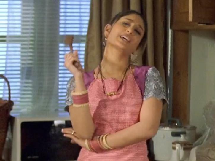 Kareena Kapoor in Ajnabee.