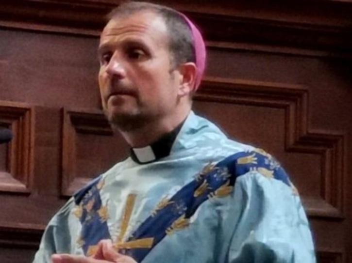 bishop quits church