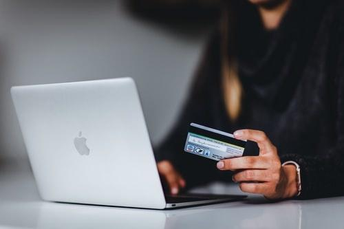 purchasing item online with credit card