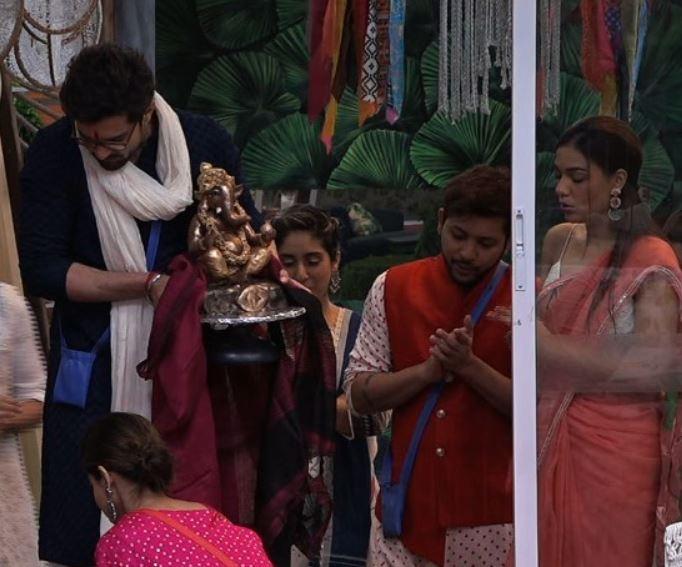 Bigg Boss OTT: Raqesh Bapat Carves Ganesh Idol For Ganpati, Housemates Celebrate In Full Spirit