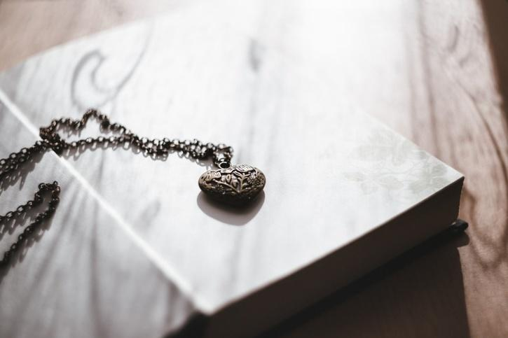 locket for cheating