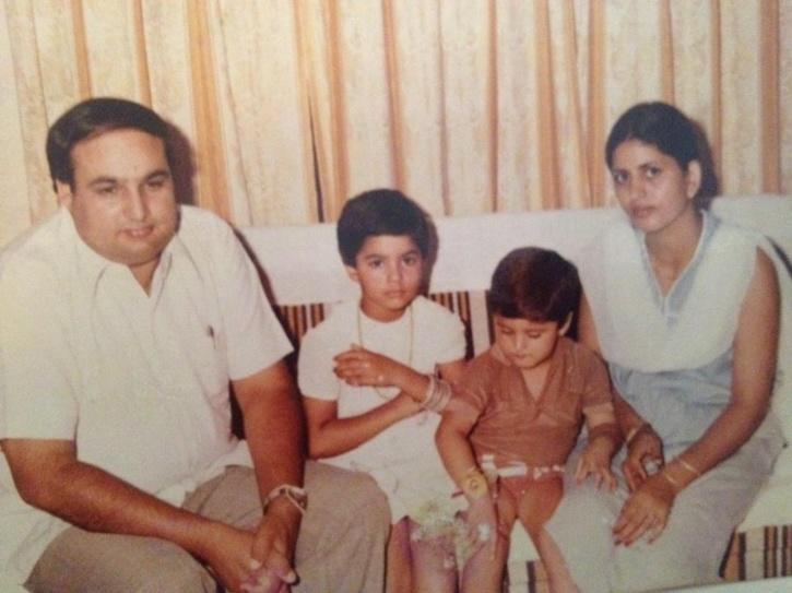 Mallika Sherawat with father ukesh Kumar Lamba, mother Santosh Lamba and Brother Vikram Singh Lamba.
