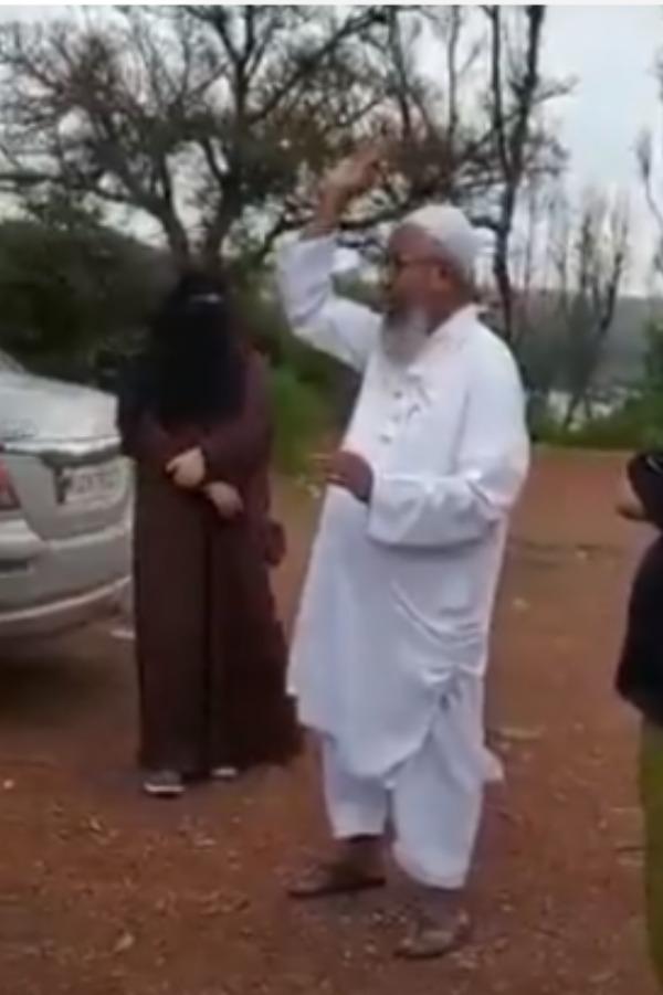 muslim-man-singing
