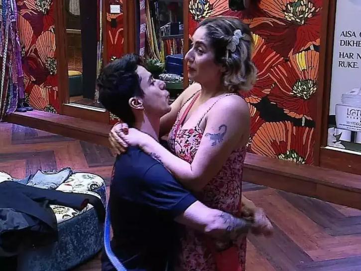 Neha Bhasin Says Trolling Her Husband  Due To Her Closeness With Pratik Sehajpal  Was A Bit Too Far