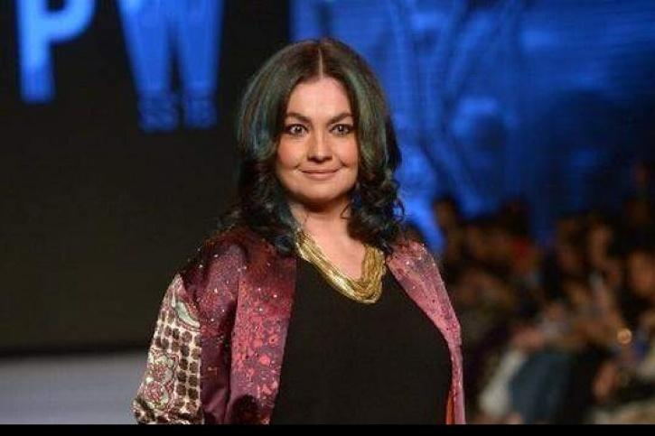 Pooja Bhatt Celebrates 5 Years Of Saying NO To Alcohol, Says Sobriety Is Her Love Of Life