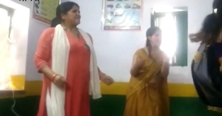 teachers-dancing