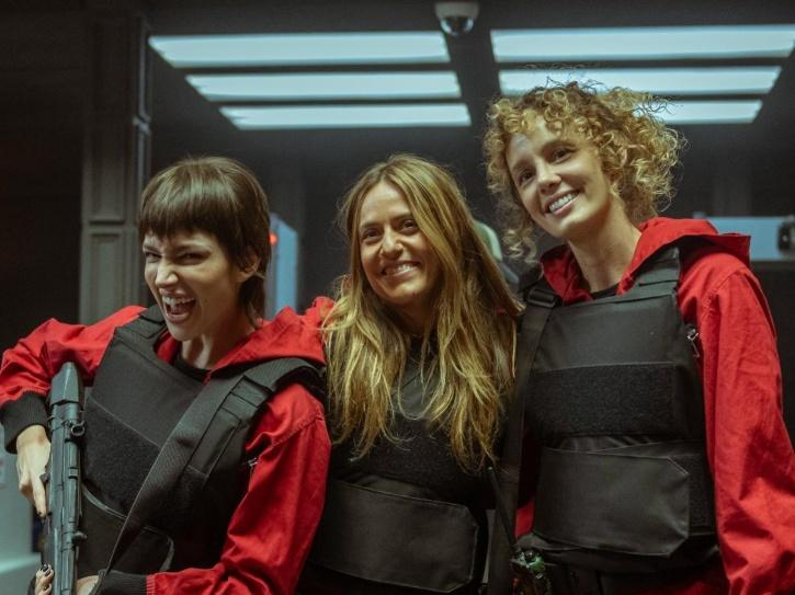 Tokyo, Lisbon and Stockholm pose together in this BTS photo from the sets of Money Heist season 5 volume 1.