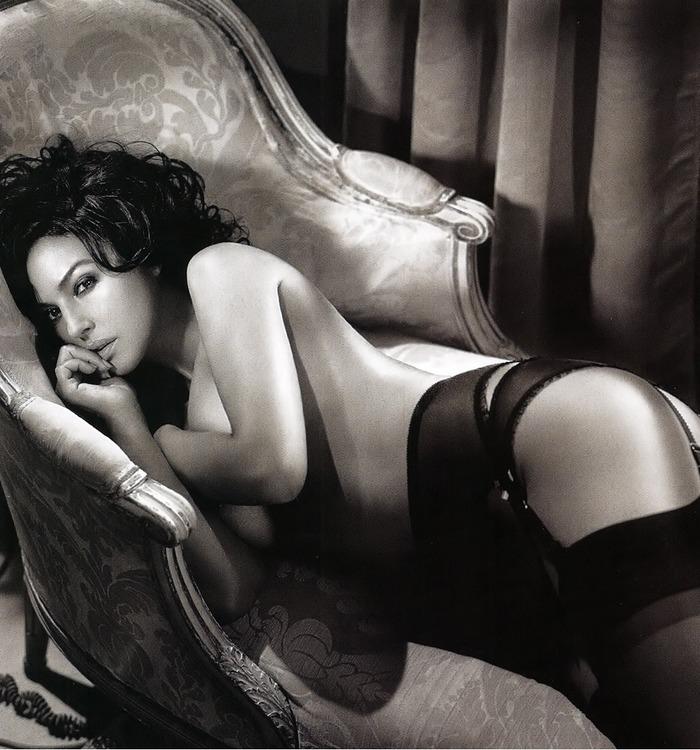 20 31 Monica Belluccis Hottest