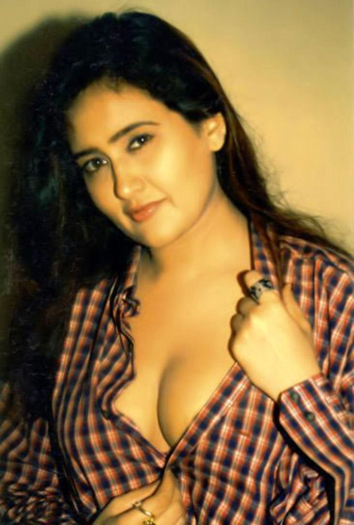 Difficult tell. Hot south indian actress cleavage pity