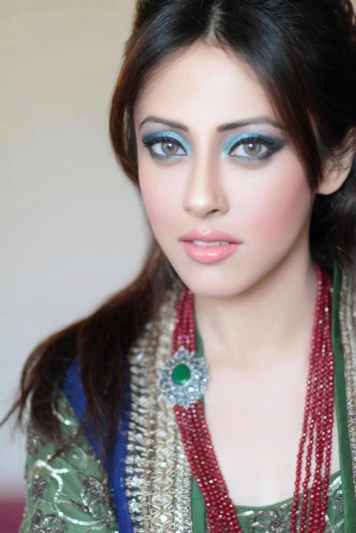 Pakistani Actress Sana Javed Biography 003