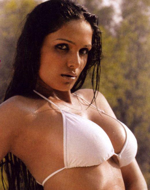naina dhariwal hot