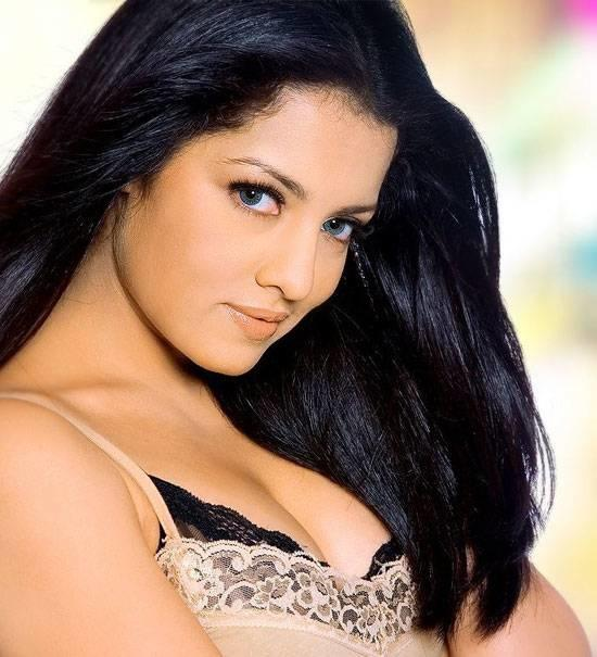 Hot south indian actress cleavage are not