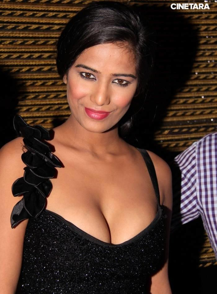 Best Cleavage In Bollywood