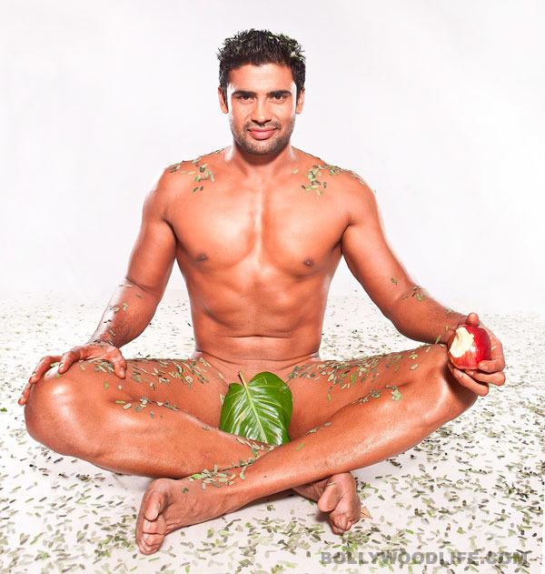 Indian Celebrities Who Stripped-8463