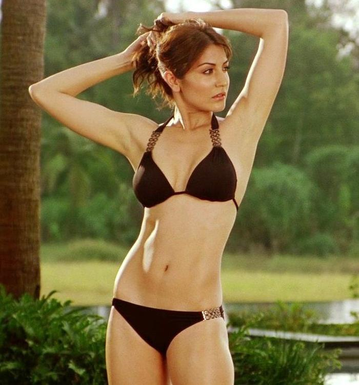 Anushka Sharma - Body In Bikini - Indiatimescom-5111