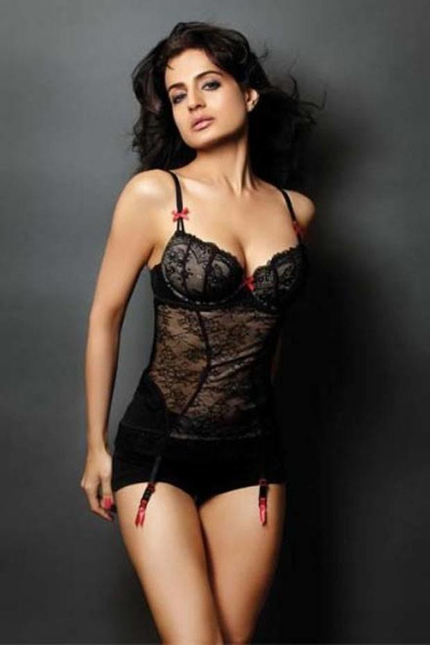 Amisha patel sexy hot