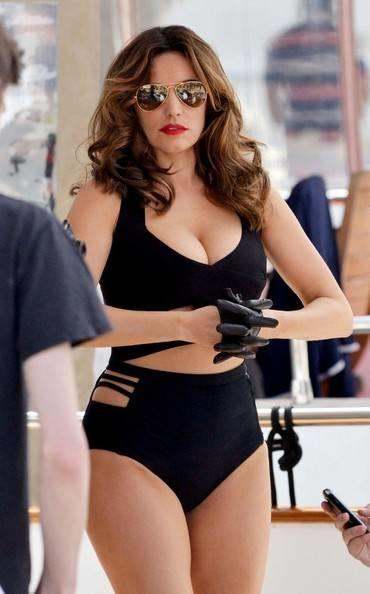 5 25 Kelly Brook Photos Kelly Brook