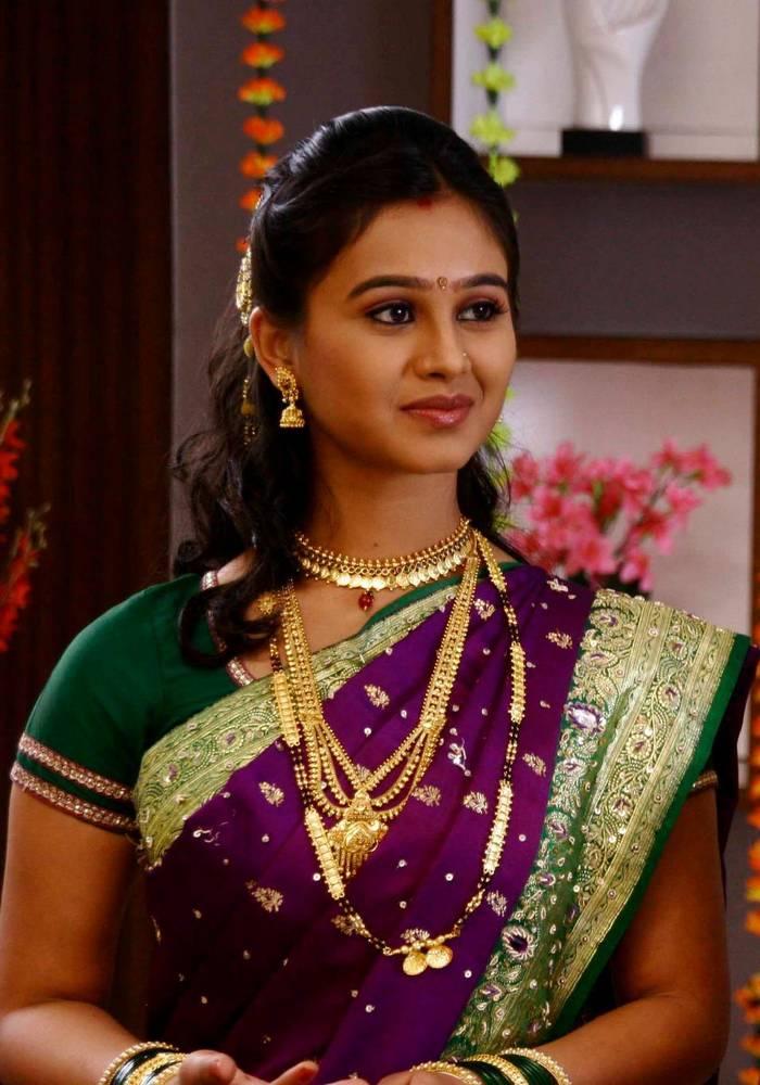 Mrunal dusanis indiatimes 615 mrunal dusanis marathi actress pictures thecheapjerseys Image collections