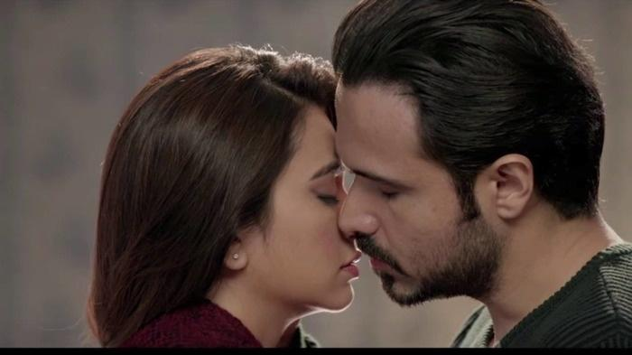 Emraan Hashmi Kiss In Crook
