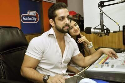 Faces Behind The Voices: Unknown Facts About Indian Radio Jockeys!