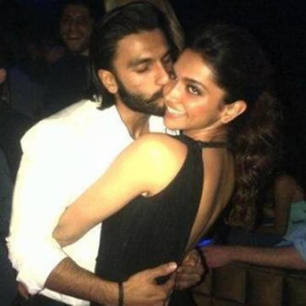 Bollywood sex pics Hot Desi
