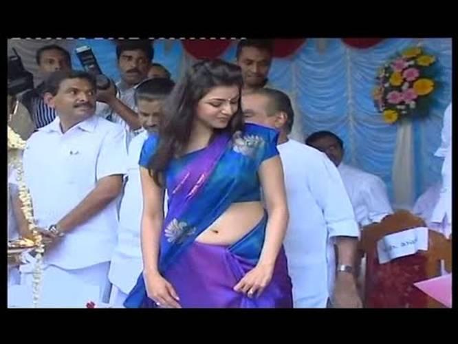 Actress Kajal Agarwal Navel Showing In Kerala Public Function