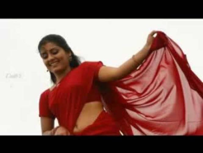 Malayalam Actress Sarayu Hot Navel Show