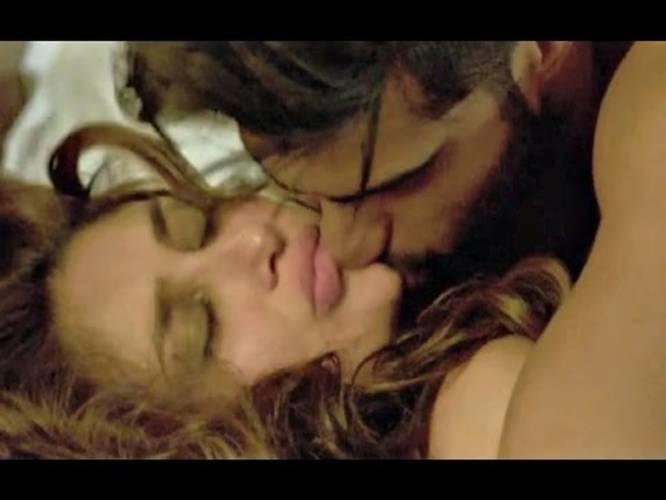 Hot kisses of bollywood video
