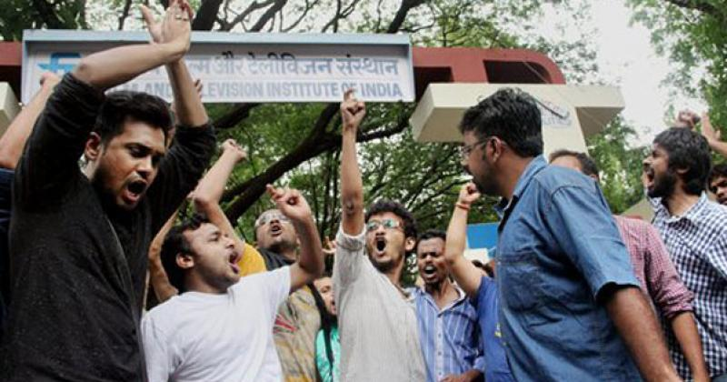 Police Book 35 FTII Students For Illegally Confining The Institute