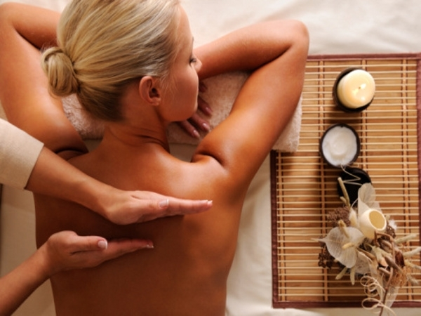 Must-Try Oil-Based Massages This Summer