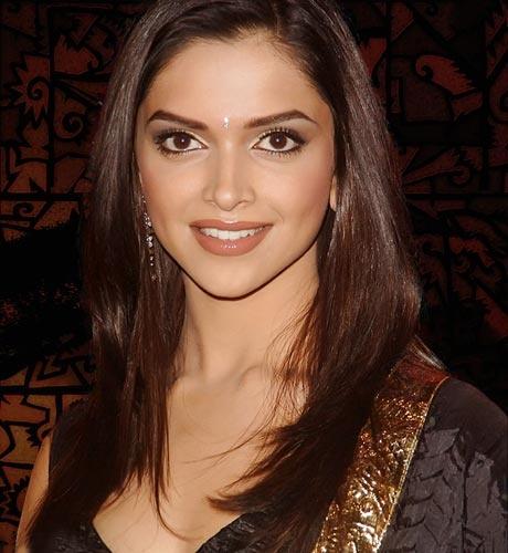 Deepika pays producer 10 lakh