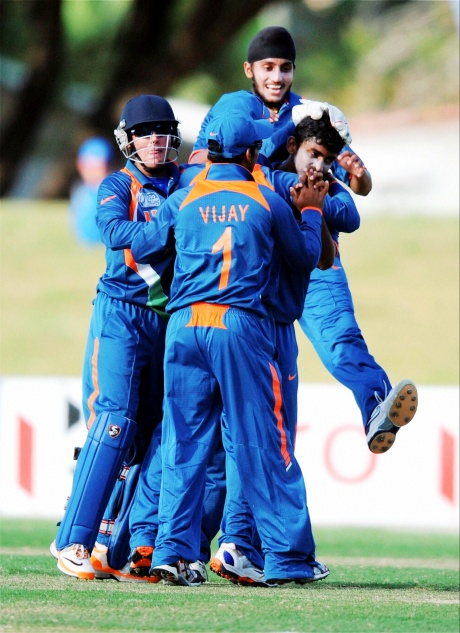 Bowlers guide India to U-19 WC final