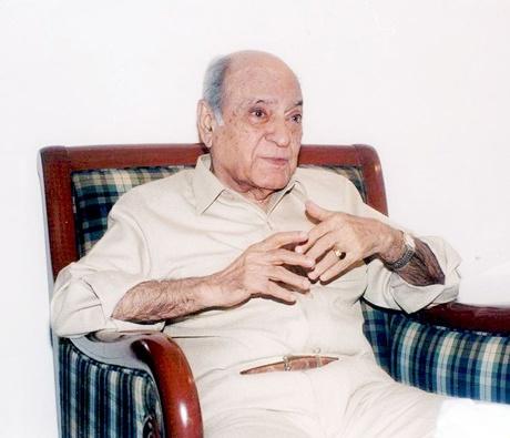 AK Hangal