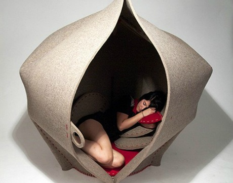 Womb-shaped chair