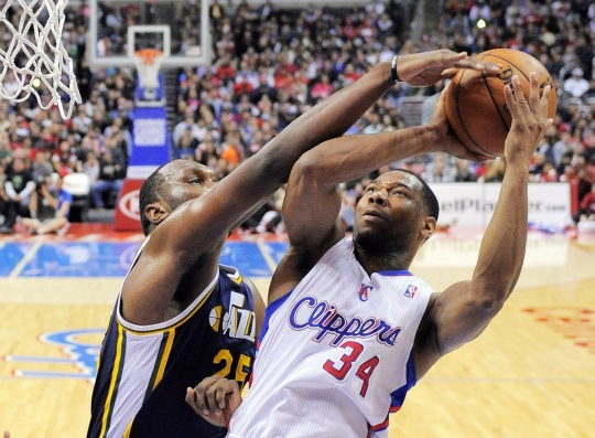 Clippers Top Jazz Again for 17th Win