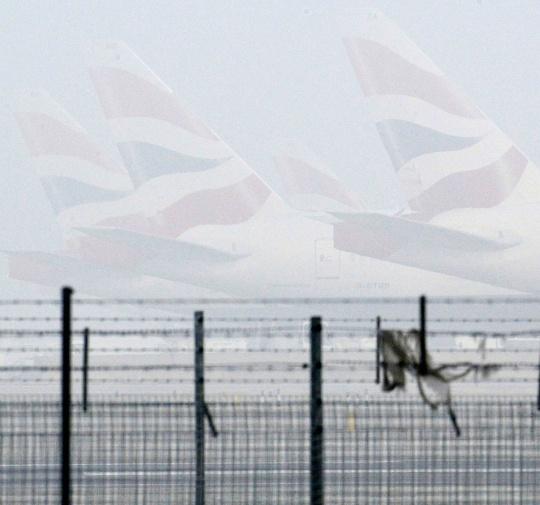 Fog Spell Air Travel Chaos in UK