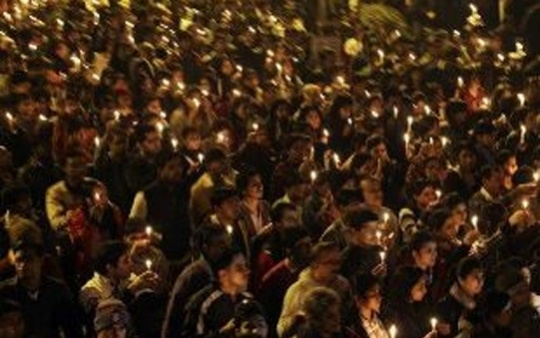 Indian-Americans hold candle light vigil for Delhi rape victim