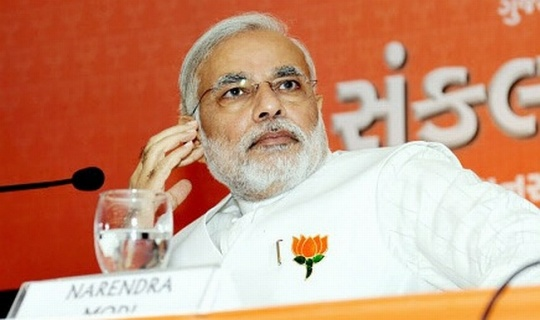 Arvind Kejriwal Takes on Narendra Modi