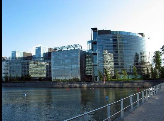 Struggling Nokia Sells Headquarters Building