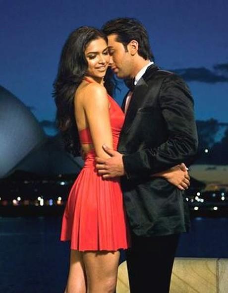 WHAT'S UP?: Ranbir-Deepika's cuddly act!