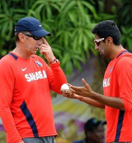 'Eric Simons understands each and every bowler'