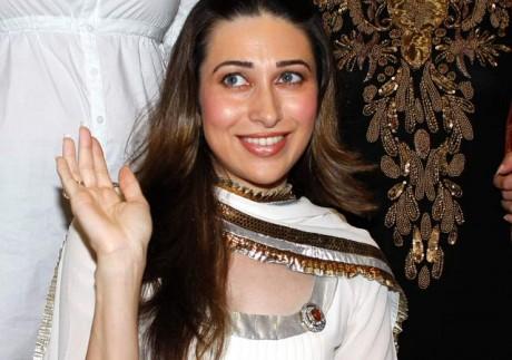 Karisma Kapoor turns item girl for Rowdy Rathore