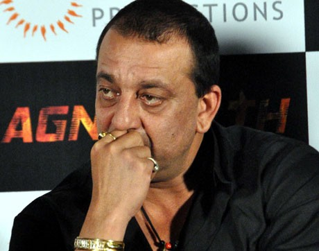 Cover up, Ameesha: Sanjay Dutt
