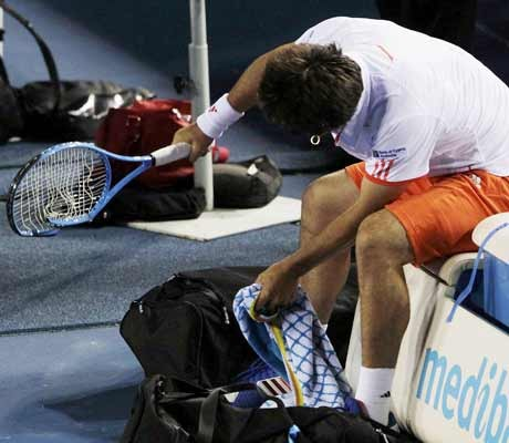 Baghdatis smashes 4 rackets in outburst