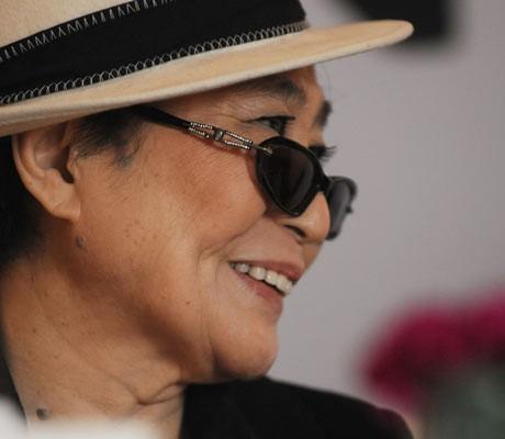 Yoko Ono aims to wow India