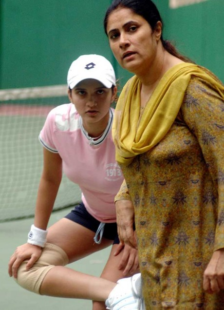 Sania Mirza to have mom as manager in Olympics