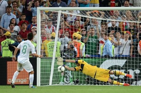 Spain beat Portugal to reach Euro final
